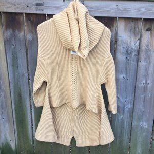 NWT Glam & Fame yellow sweater w/neck warmer - M